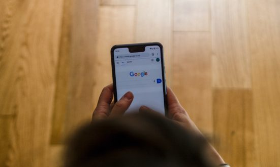 Google finally brings its security key feature to iPhones