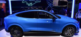 Car sales may be slumping, but policy could give electric vehicles and the auto industry a charge