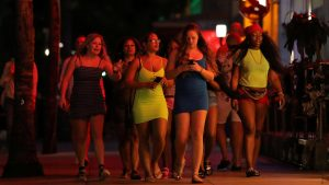 Spring breakers crowd Florida beaches as U.S. COVID-19 cases pass 11,000