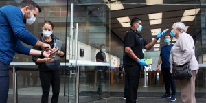Apple Store closures are sign that COVID-19 is not under control