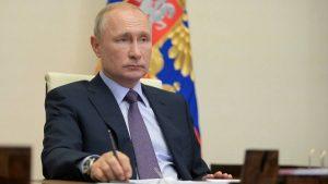 Putin delays $360bn spending plan as Covid-19 batters economy